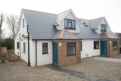 4 bedroom semi-detached house to rent - The Avenue, St Margaret's at Cliffe, CT15