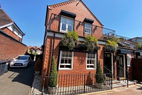 2 bedroom ground floor flat to rent - Knightlow Road, Harborne, Birmingham, B17 8PY