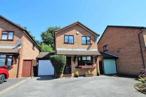 3 bedroom detached house for sale - Kempsey Close, Solihull, B92
