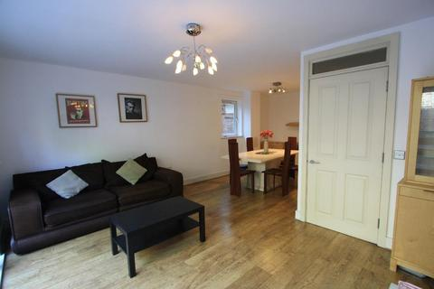 4 bedroom townhouse to rent - Gaverick Mews, Isle of Dogs, London, E14 3AL