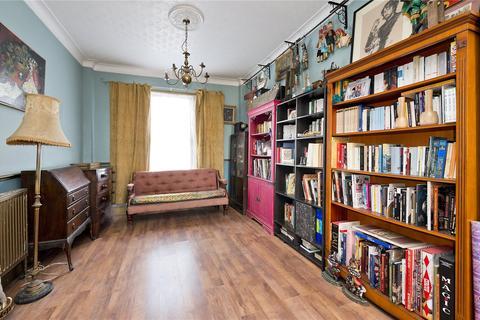 3 bedroom semi-detached house for sale - Braemar Road, Plaistow, London, UK, E13