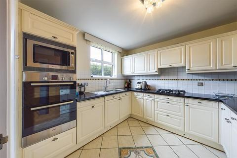 4 bedroom townhouse to rent - Andes Close, Southampton, SO14 3HS
