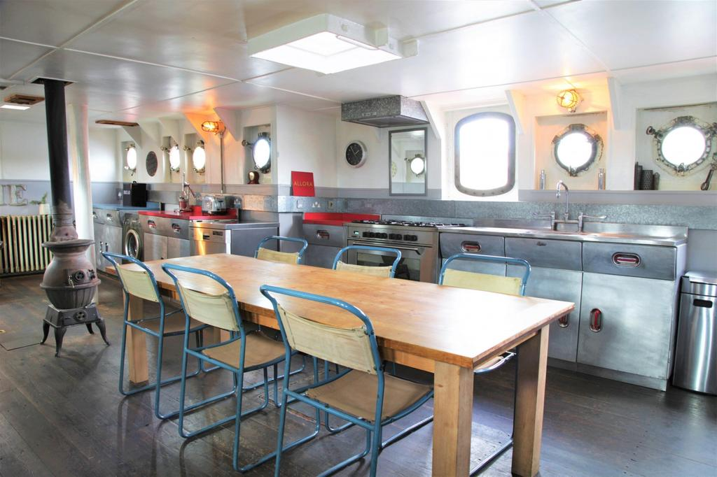 Light Vessel 93 kitchen