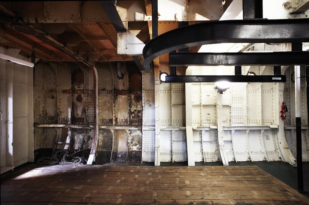 Light Vessel 93 interior hull
