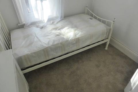1 bedroom house share to rent - Tilehurst Road