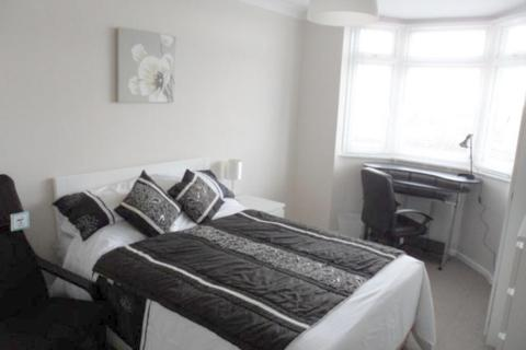 1 bedroom in a house share to rent - Longfleet Road, Poole, BH15 2HS