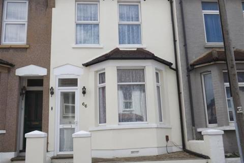 3 bedroom terraced house to rent - 3 Bed Terrace, Cecil Road, Rochester, ME1 2HS