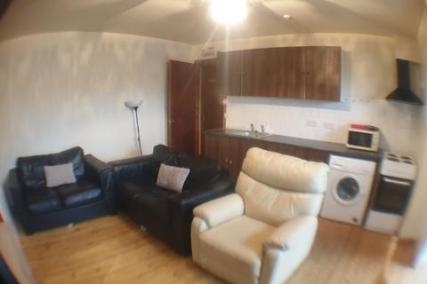 1 bedroom flat to rent - Harehills Lane, Leeds LS9