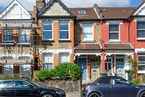 3 bedroom flat for sale - North View Road, N8