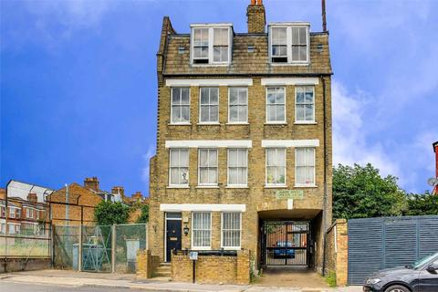 2 bedroom flat for sale - Albert Buildings, Spencer Road, London