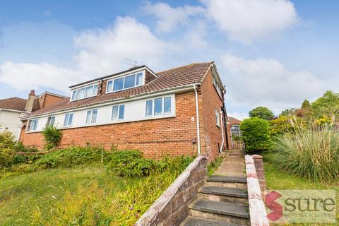 3 bedroom detached bungalow to rent - Park Close , Brighton