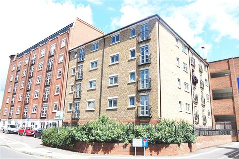 1 bedroom apartment for sale - Hazeleigh House, Market Link, ROMFORD, RM1