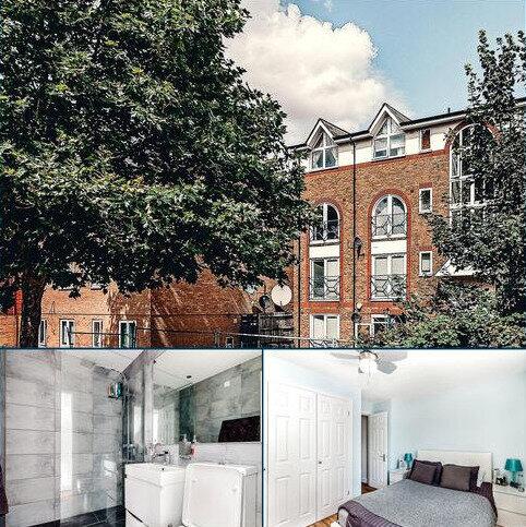 Flat for sale - Melville Court, Croft Street, London, SE8