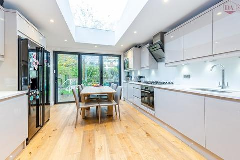 3 bedroom apartment for sale - Christchurch Road, Crouch End N8