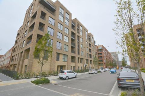 2 bedroom flat to rent - Lismore Boulevard, London