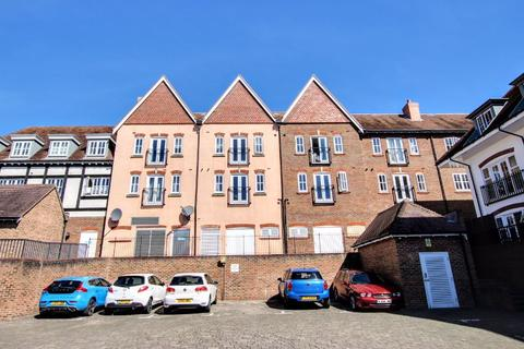 2 bedroom apartment for sale - Middle Village, Haywards Heath