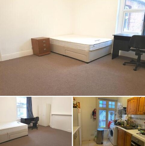 1 bedroom in a flat share to rent - Berkeley Road, London N8