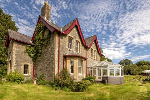 5 bedroom detached house for sale - Crossgates,  Llandrindod Wells, LD1