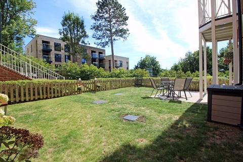 2 bedroom apartment for sale - West Hill, Sanderstead, Surrey