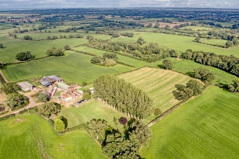 4 bedroom property with land for sale - Brockhurst Grange, Brockhurst, TF11 8NE