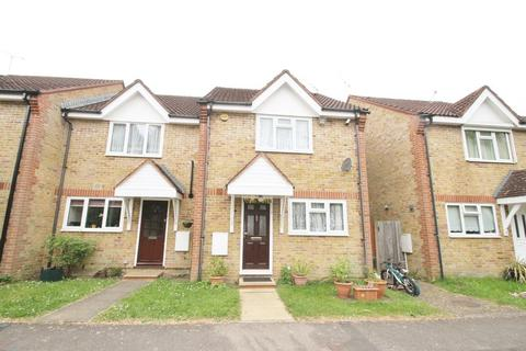 3 bedroom terraced house to rent - Mayfly Close, Pinner