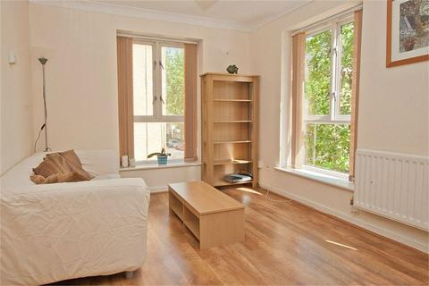 2 bedroom apartment to rent - Queen Mary House, LONDON, E16