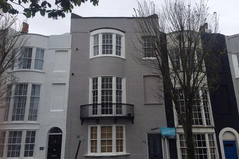 1 bedroom flat to rent - Egremont Place, Brighton, BN2 0GB.