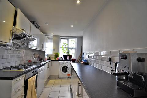 2 bedroom flat to rent - Belmont Court Finchley Road NW11