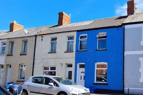 3 bedroom terraced house - Brook Street, Barry