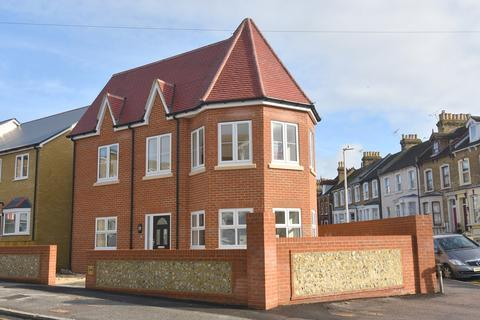 3 bedroom end of terrace house for sale - Grange Road, Ramsgate, CT11