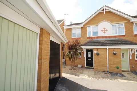 2 bedroom semi-detached house for sale - Collingwood Road, Rainham, RM13