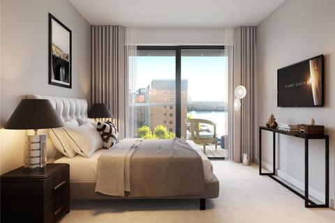 1 bedroom flat for sale - Dock East, Selsdon Way, London, E14