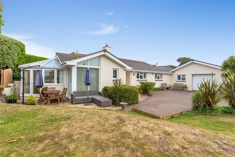 4 bedroom bungalow for sale - Old Rectory Gardens, Kingsbridge