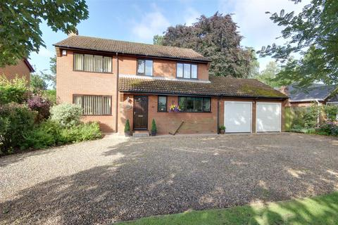 4 bedroom detached house for sale - Welton Low Road, Elloughton, Brough
