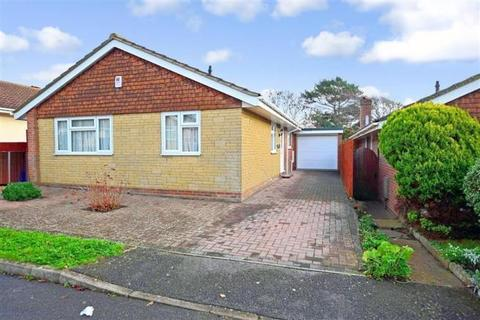 3 bedroom detached bungalow for sale - Badgers Field, Peacehaven