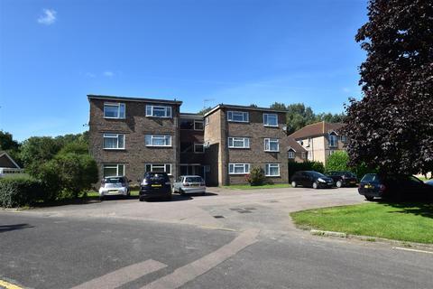 2 bedroom flat for sale - Longbridge Road, Horley