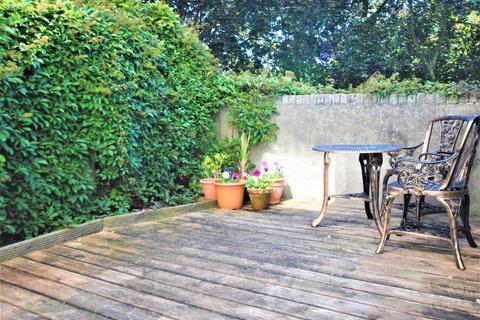 Studio to rent - Basement Flat,  St Lukes Crescent, Totterdown, Bristol, BS3 4RZ
