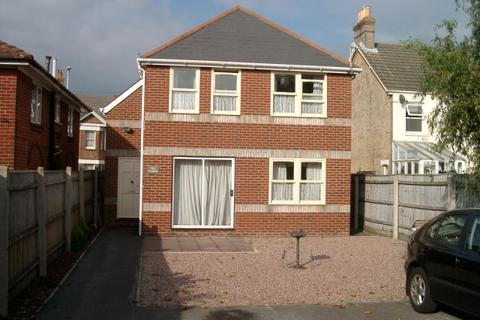 2 bedroom flat to rent - FIRST FLOOR FLAT, THE SASHES, COMMERCIAL ROAD, POOLE, BH14 0HU