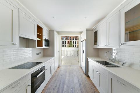 4 bedroom terraced house to rent - Trevor Square, SW7