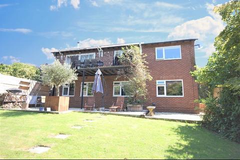 4 bedroom detached house for sale - Ham Close, Charlton Kings, Cheltenham, GL52