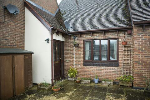 1 bedroom flat to rent - Maiden Lane Centre, Lower Earley, RG6 3HD