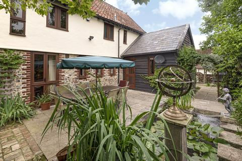 3 bedroom semi-detached house for sale - Priory Farm Court, Water Street, Lavenham, Suffolk, CO10