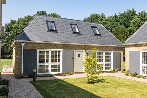 2 bedroom detached house for sale - Luddington House, Stroude Road, Virginia Water, Surrey, TW20.