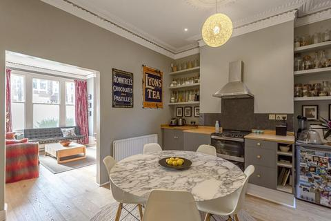 2 bedroom flat for sale - Helix Road, Brixton
