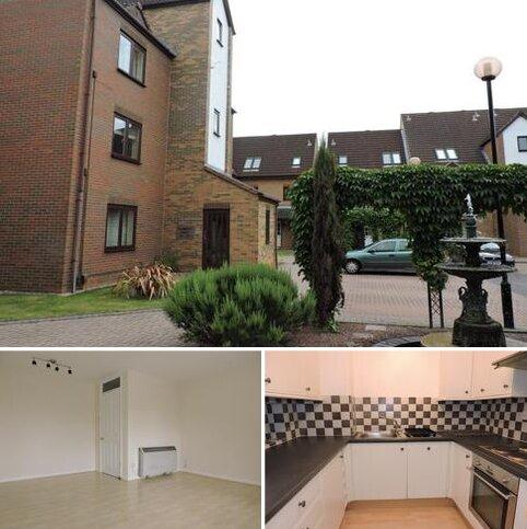 2 bedroom apartment to rent - Flamingo Court