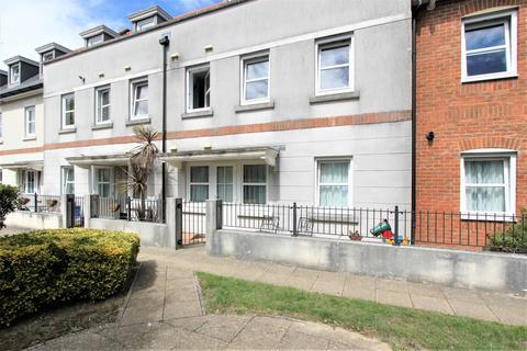 2 bedroom flat - Orme Road, Worthing, BN11