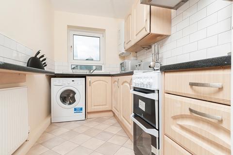 4 bedroom flat to rent -  West Pilton Rise Edinburgh EH4 4DX United Kingdom