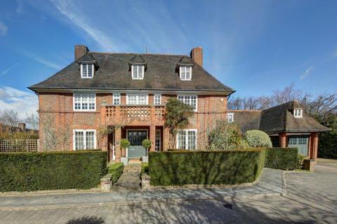 5 bedroom detached house - Linnell Drive, London NW11