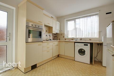 2 bedroom maisonette for sale - Oaks Road, Staines-Upon-Thames