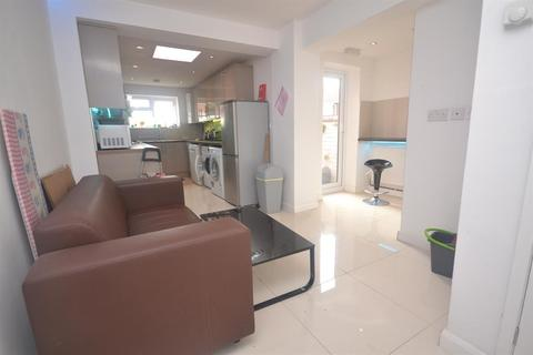 1 bedroom house share to rent - Prince Of Wales Avenue, Reading, RG30 2UR